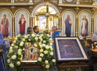 Освящение креста на праздник Покров Пресвятой Богородицы